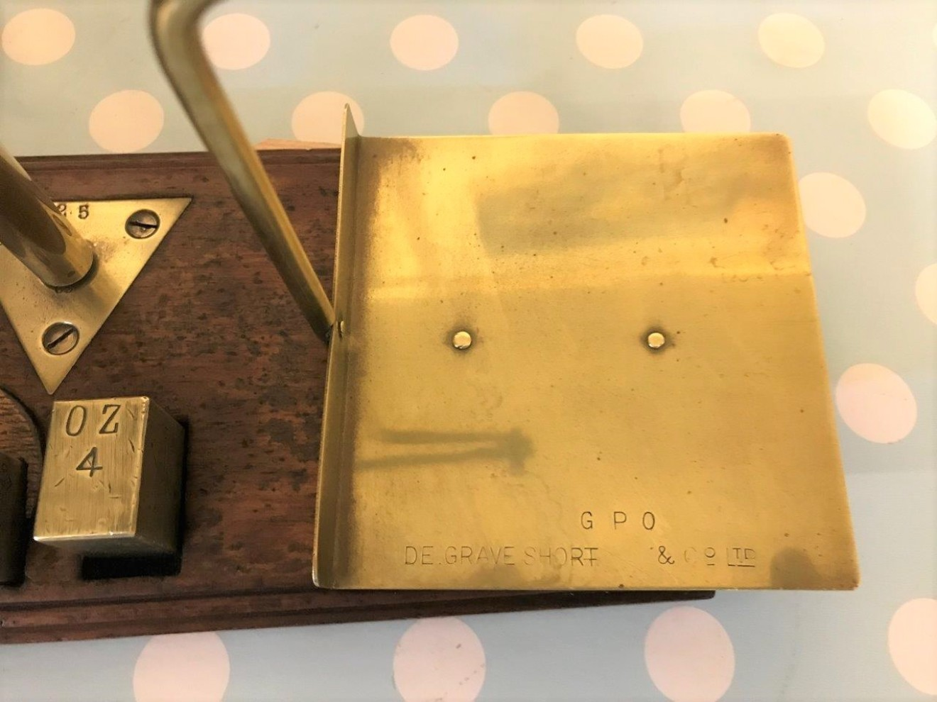 Set of GPO Weighing Scales