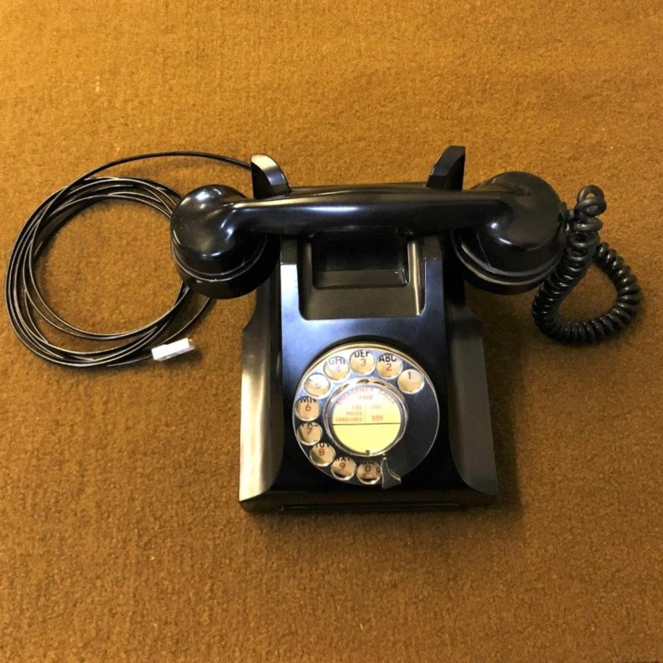 Vintage GPO Bakelite Telephone Model 332L