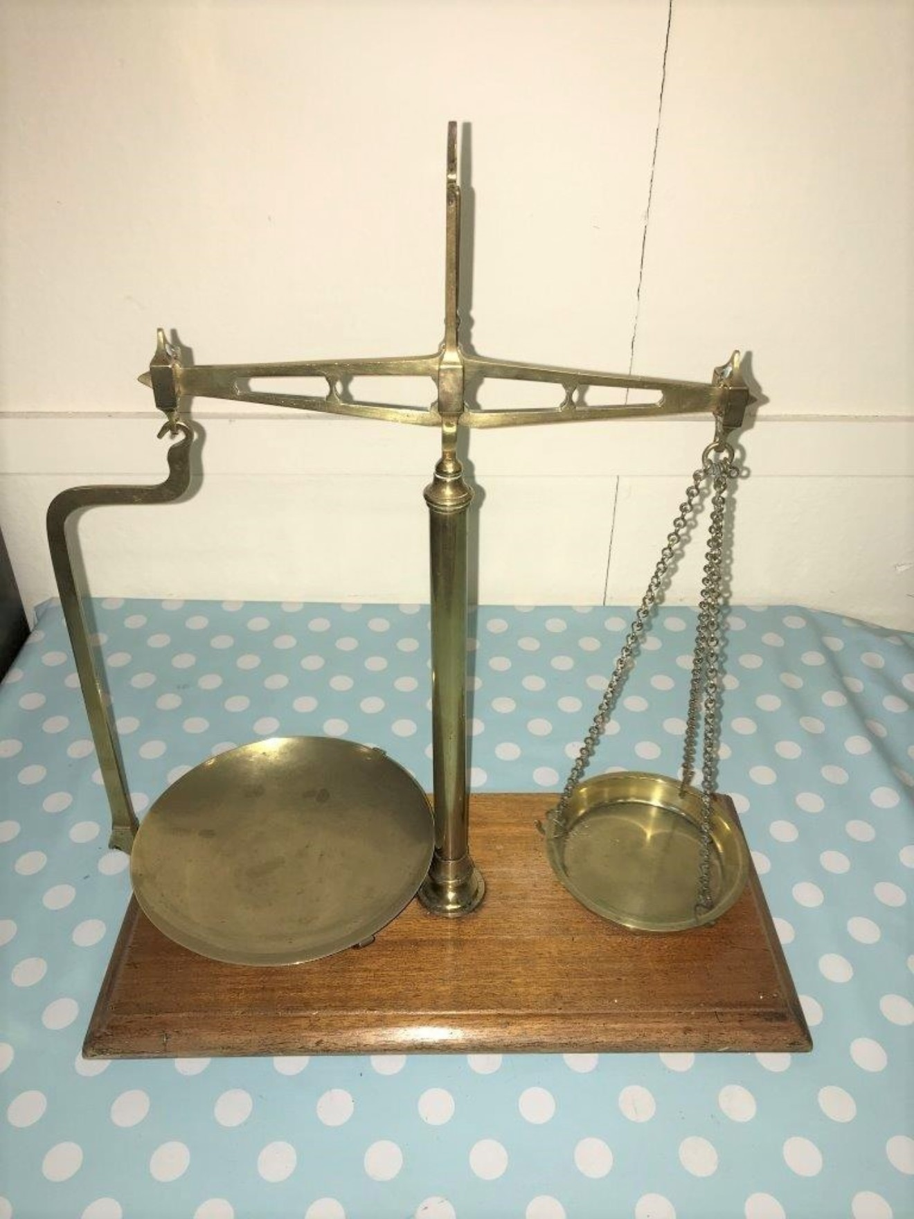 Set of Balance Scales