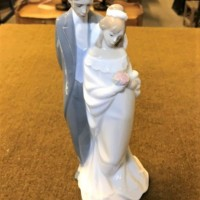 Nao by Lladro Figurine ' Love Always '