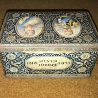 George V Silver Jubilee 1910-1935 Biscuit Tin