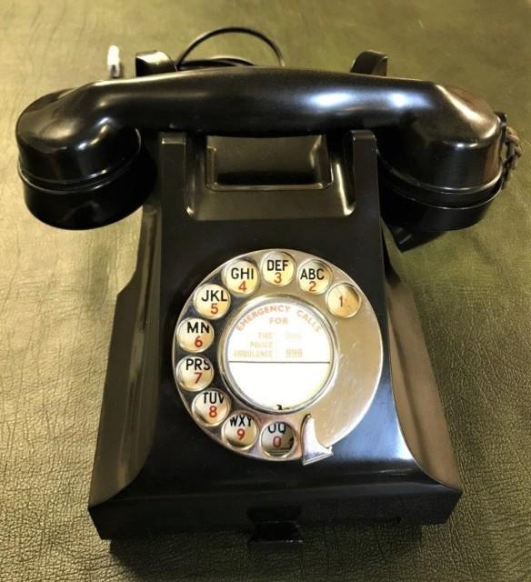 Vintage GPO Bakelite Telephone