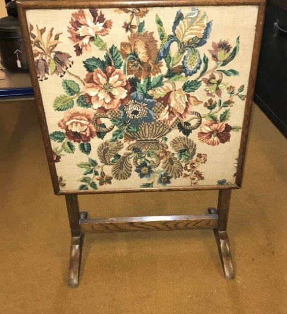 Oak Embroidery Metamorphic Firescreen / Table