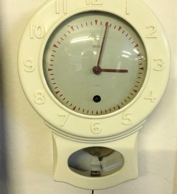 Smiths Cream Bakelite Drop Dial Kitchen Wall Clock