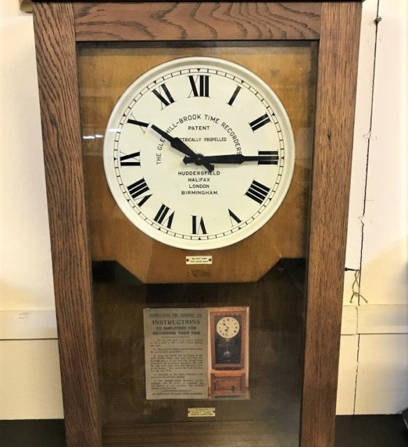 Vintage Gledhill Brook Time Clock
