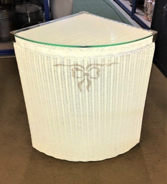 Lloyd Loom Lusty Corner Linen Basket