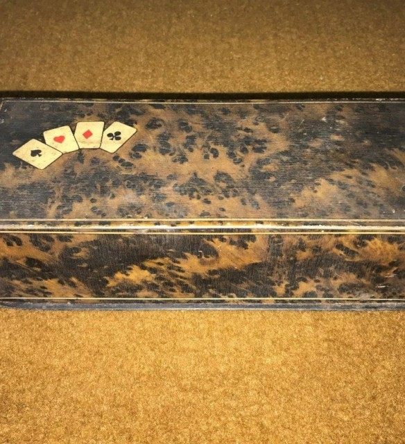 Faux Burr Walnut Biscuit / Card Tin