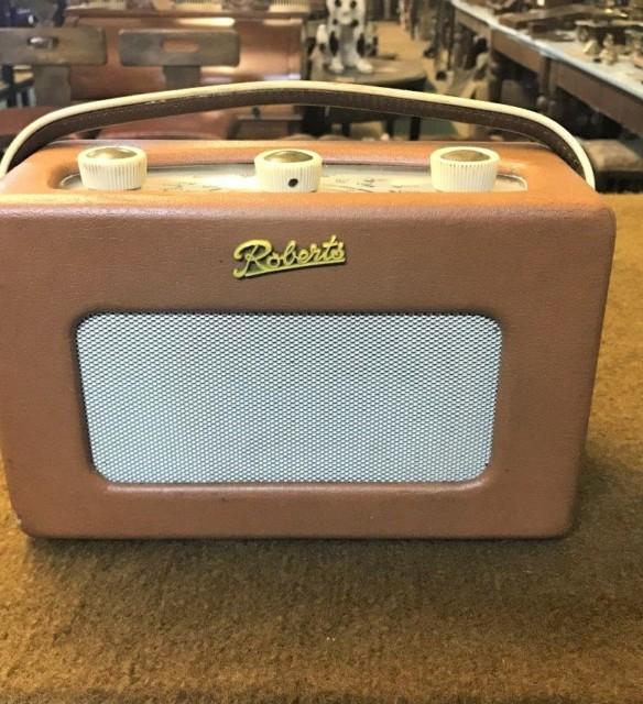 Vintage Roberts Transistor Radio Model R200