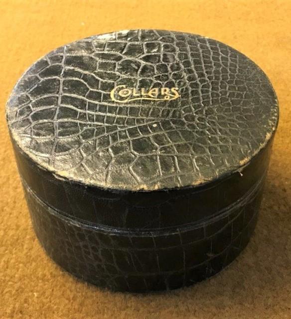 Alligator Collar Box & Collars