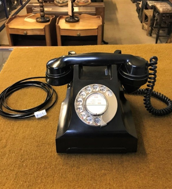 Vintage GPO Bakelite Telephone Model 332L